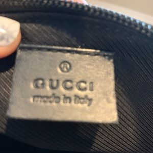 Gucci shoulder bag, excellent condition.